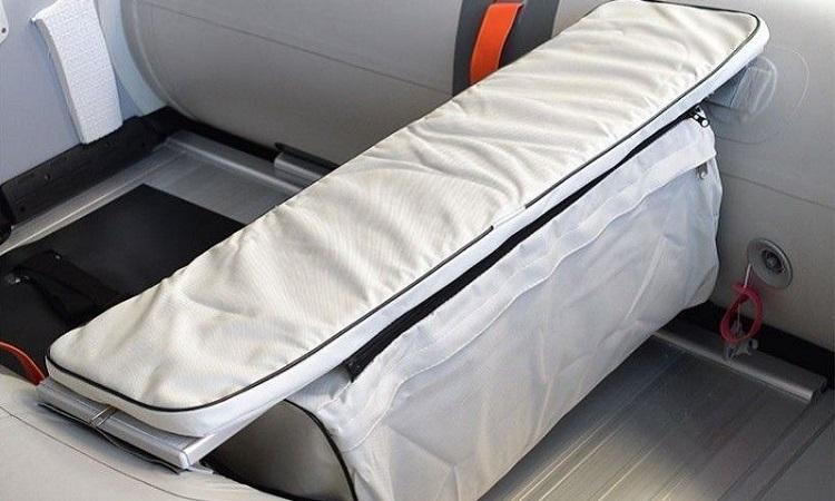 Asiento de aluminio con bolsa de PVC