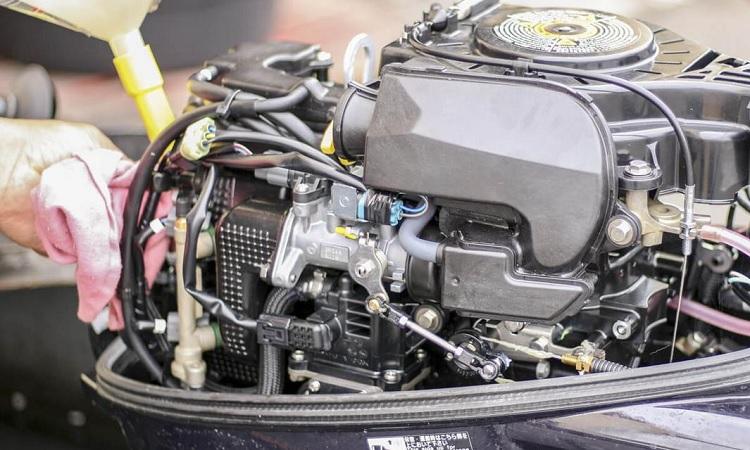 Motor fueraborda reparación